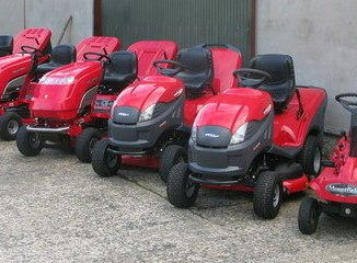 how to choose a riding mower